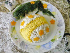 новогодний салат с кукурузой