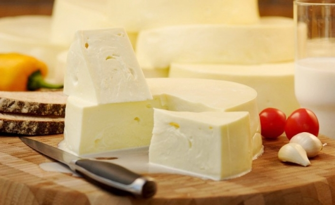 Сыр сулугуни: польза и вред, калорийность