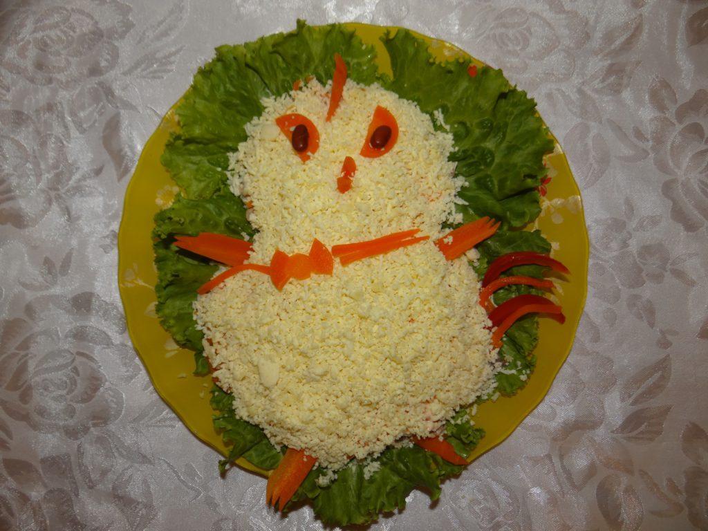 готовый салат-петушок