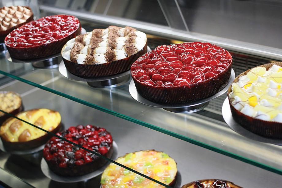 тирольские пироги на прилавке