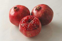 Гранат: польза и вред, калорийность